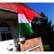 Nemzeti zászló, rúddal együtt